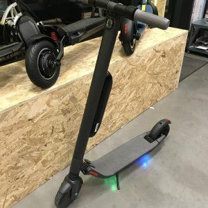 Hulajnoga elektryczna Ninebot ES4 - używana.