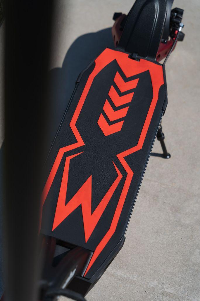 Kaabo Mantis 8 plus hulajnoga elektryczna podest
