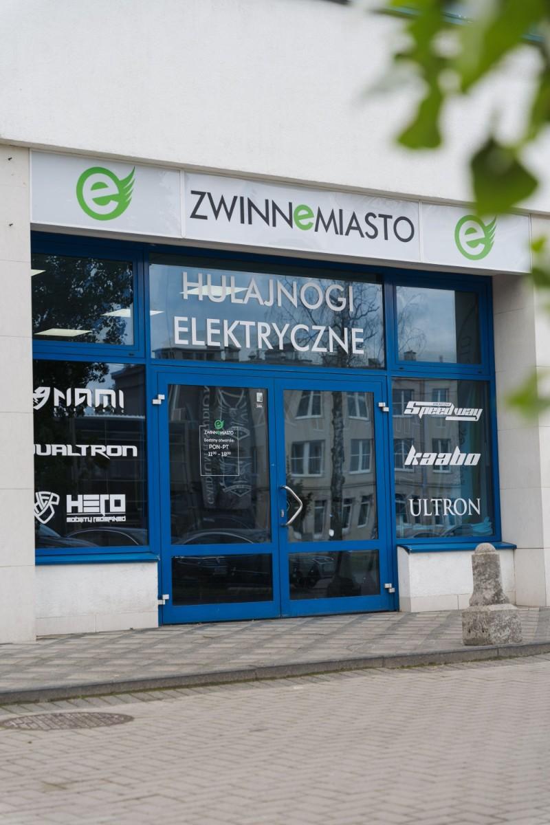 hulajnoga elektryczna zwinne miasto witryna